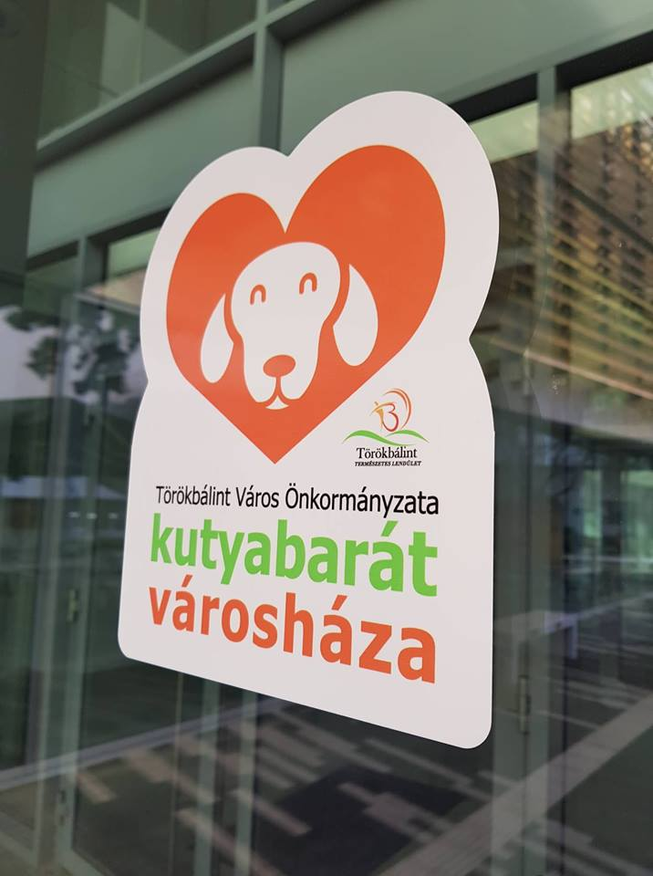 kutyabarát városháza Törökbálint