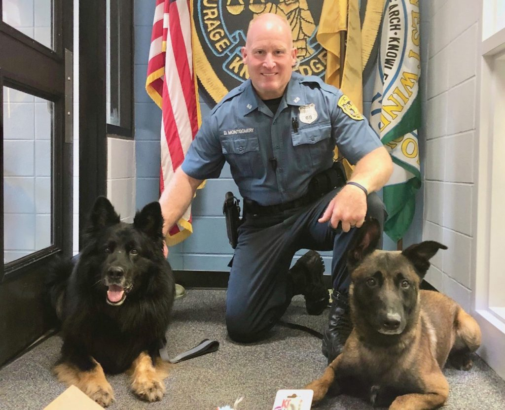 A rendőrkutya utolsó útja - méltó módon búcsúztatták a kutyát