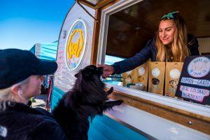 Hódít a Dog Food Truck az amerikai városokban